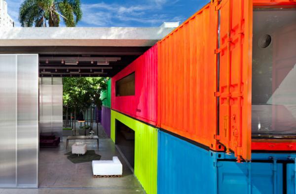 22个造型新颖的集装箱商业建筑设计(上)